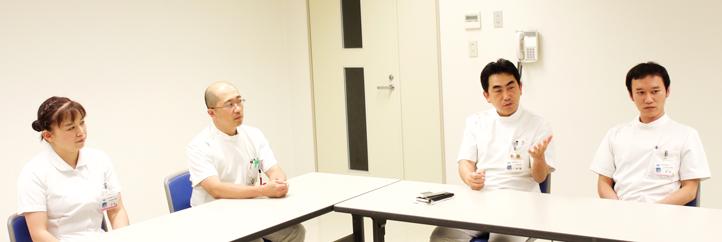 伊藤哲之部長、金丸聰淳医長、辻埜恭子主任看護師、伊吹伸介主任看護師