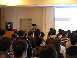 大学実習室での講義の様子